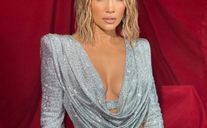 FOTO/VIDEO -  Jennifer Lopez a dominat scena American Music Awards