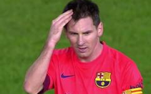 VIDEO Un fan al Barcelonei l-a atacat pe Messi: