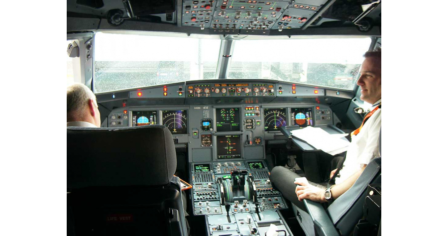 avion   Airbus-319-cockpit