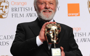"FOTO/VIDEO - Anthony Hopkins, Premiul BAFTA pentru cel mai bun actor în rol principal din filmul ""The Father"""