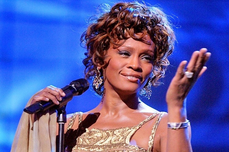 Whitney Houston: turneu sub forma unei holograme, album nou și musical pe Broadway